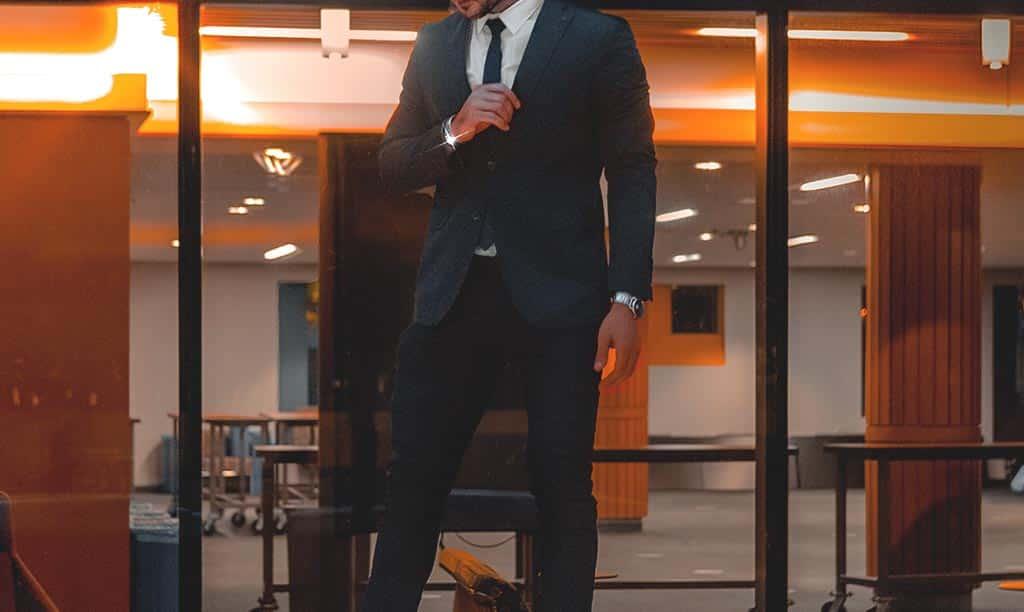 vêtements à avoir dans votre dressing d'homme