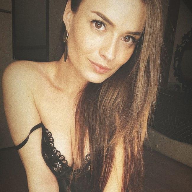 Caroline modele