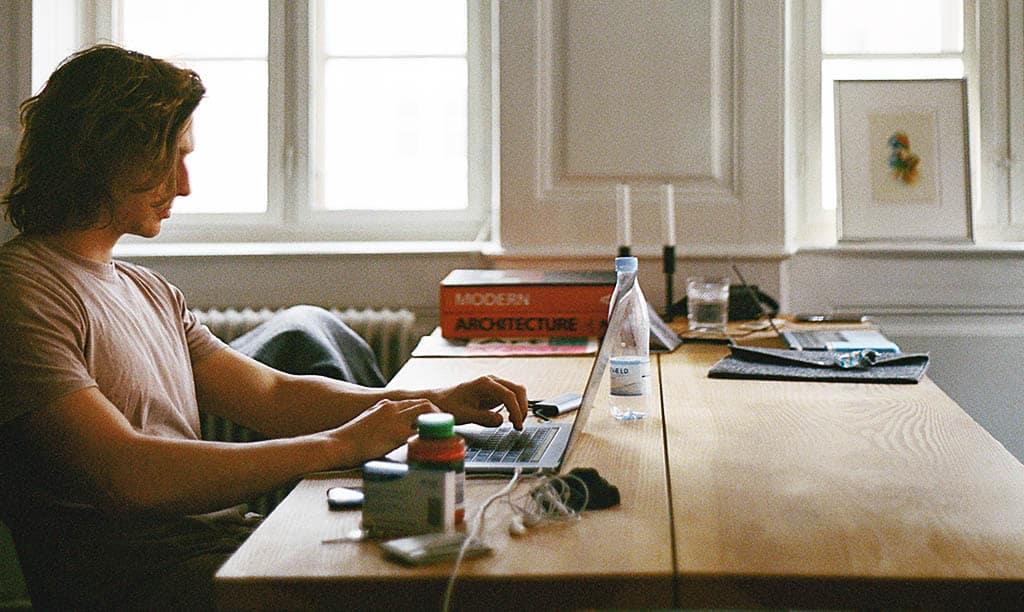 Les indispensables pour homme à avoir au bureau
