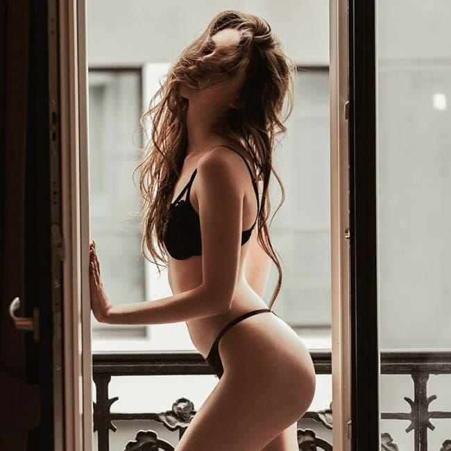 belles femmes en lingerie